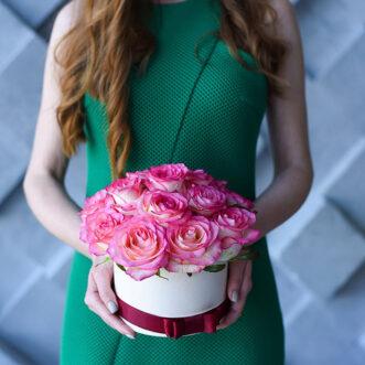 15 роз Джумилия в шляпной коробке
