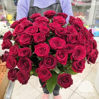 Букет из 51 красной розы 70 см