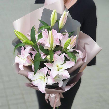 Букет из 3 розовых лилий