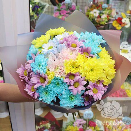 Букет из 9 разноцветных хризантем
