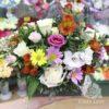 Розы и альстромерии в коробке