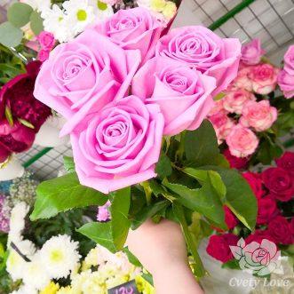 Букет из 5 розовых роз