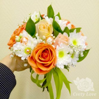 Букет невесты из роз, хризантем и гипсофилы