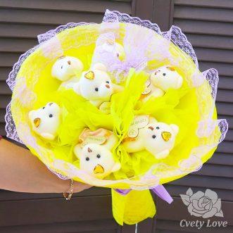 Букет из 7 мишек в желтом оформлении